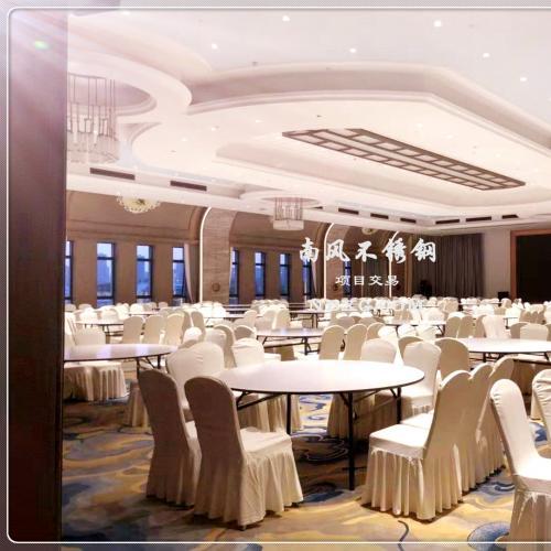 复古风格酒店宴会厅不锈钢装饰