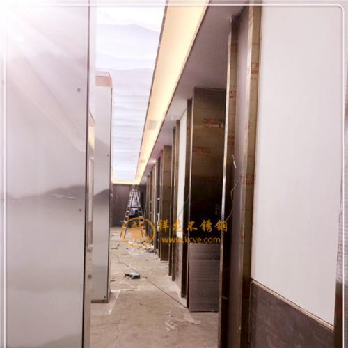 压花304不锈钢花纹板/304不锈钢花纹板材/用于门板建筑装饰板/